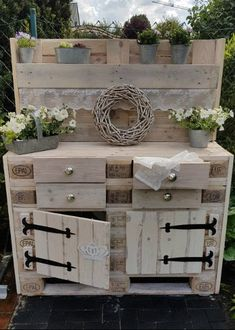 Unbelievably cool tips: Woodworking lamp Man - Diy Garden Box Ideas Diy Projects Garage, Diy Pallet Projects, Garden Projects, Pallet Ideas, Pallet Garden Furniture, Pallets Garden, Plant Table, Garden Boxes, Diy Garden