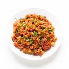 This simple vegan jambalaya is a super tasty, satisfying and nutritious dish. It's a delicious dinner recipe, which is also oil-free and very low in fat. Vegan Recipes Beginner, Delicious Dinner Recipes, Recipes For Beginners, Vegetarian Recipes, Vegan Meals, Vegan Food, Pork Recipes, Whole Food Recipes, Fish Recipes