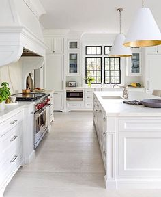 There is no question that designing a new kitchen layout for a large kitchen is much easier than for a small kitchen. A large kitchen provides a designer with adequate space to incorporate many convenient kitchen accessories such as wall ovens, raised. 2019 Kitchen Trends, Kitchen Decor, New Kitchen, Kitchen Flooring, White Kitchen Design, Kitchen Design, Kitchen Trends, Kitchen Renovation, Kitchen Layout