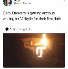 I ship maria and carol but this made me uwu Marvel Funny, Marvel Memes, Marvel Dc Comics, Marvel Avengers, Marvel Cinematic Universe, Bucky, Captain Marvel, Loki, Funny Memes
