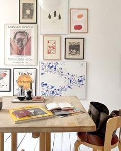 Gallery wall in the dining room /Freja Bak Petersen