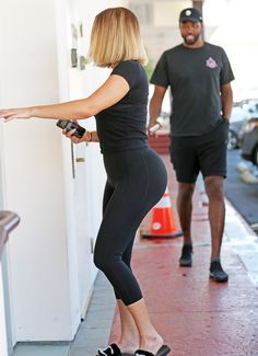 Khloe Kardashian – Heads to a laser clinic in Los Angeles Khloe Kardashian Workout, Estilo Khloe Kardashian, Kardashian Beauty, Kardashian Family, Kardashian Jenner, Kardashian Kollection, Catsuit, Khloe And Tristan, Jenner Girls