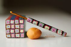 Love this afghan cane and crochet hook made from polymer clay granny squares! WOW, had to share this. You BUY the pattern, but so worth it for uniqueness, this is amazing!!! thanks so for share xox