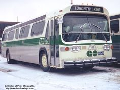 go transit picture - Bing images Go Transit, Bus City, Classic Gmc, Run Today, New Bus, Bus Coach, Busses, Commercial Vehicle, Vintage Cars