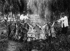 1929 Asado criollo para el personal de los talleres de la rev. Caras y Caretas