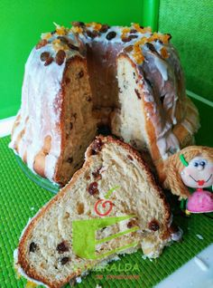 Esmeralda ze smakiem: Drożdżowa Baba Wielkanocna z rodzynkami