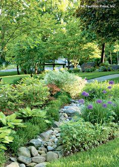Landscaping Ideas And Hardscape: Creative DIY Rain Garden Steps And Plants Ideas Diy Jardin, Jardin Decor, Landscaping With Rocks, Front Yard Landscaping, Landscaping Ideas, Hillside Landscaping, Dry Riverbed Landscaping, Landscaping Edging, Backyard Ideas