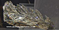 Noiva com Classe: Exposição Cartier Paris 2013-2014: Tiaras  A lateral da Myrtle tiara da princesa Marie Bonaparte.