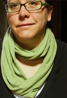 Super simple no sew 5 minute infinity scarf from HarmonicMama