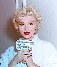 Marilyn Monroe in a hair test for The Seven Year Itch, 1954. (This is one of the few films she let Ben Nye do her Makeup for, instead of 'Whitey' her regular makeup man, and you can see the difference. She looks more like 'Betty Grabel instead of the Angelic Marilyn we know and Love❤️).
