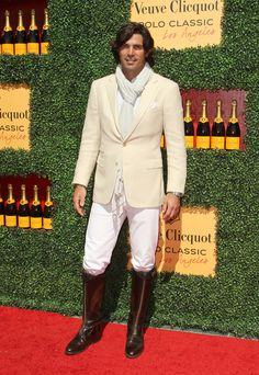 Nacho Figueras Blazer - Nacho Figueras looked oh-so-classy in his beige blazer, white pants, riding boots, and scarf at the Veuve Clicquot Polo Classic. Nacho Figueras, Ralph Lauren Style, Polo Ralph Lauren, Beautiful Boys, Gorgeous Men, Riding Boots, Man Boots, Riding Gear, Equestrian Style