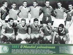 Em 1951, o Palmeiras vence o primeiro campeonato mundial interclubes. A competição foi disputada em São Paulo e no Rio de Janeiro, com a participação de oito equipes da Europa e América do Sul. Nos dois jogos finais, o Palmeiras enfrentou a Juventus. Na primeira partida venceu por 1x0. Depois sagrou-se campeão mundial com o empate por 1x1.