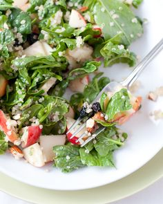Spinach Salad with Quinoa and Fruit Recipe