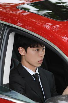 Korean Celebrities, Korean Actors, Korea Boy, Celebrity Drawings, Kdrama Actors, Drama Korea, Japanese Men, Korean Artist, Korean Men