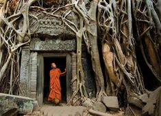 Photo Credit: Alison Wright Siem Reap, Cambodia   http://www.popphoto.com/gallery/25-best-places-to-photograph