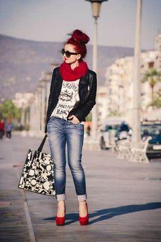 - [ 19 Looks ] - ¿Buscas ideas para saber combinar zapatos rojos? Hay cualquier cantidad de ropa con la que, estamo - Mode Outfits, Chic Outfits, Spring Outfits, Fashion Outfits, Womens Fashion, Winter Outfits, Fashion Over, Look Fashion, Autumn Fashion