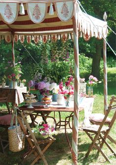 Outdoor Spring Tea. I totally want to do this in my backyard.