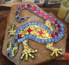 mosaic gecko on rock