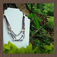 Collar perlas en cuero Pearl Necklaces, Leather, Jewels, Bijoux
