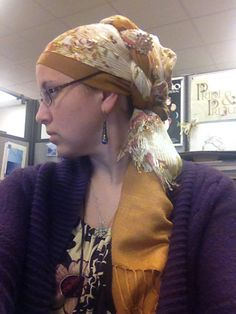 This was originally a Regal Wrap that felt too bulky on my head, so I twisted it instead ...