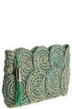 Newest Free Knitted bags Tips Crochet Raffia Bag Pattern Rio Raffia Clutch Croc… - My Bag Ideas Crochet Clutch Bags, Free Crochet Bag, Crochet Shell Stitch, Crochet Tote, Crochet Handbags, Crochet Purses, Crochet Clutch Pattern, Knit Bag, Ribbon Yarn
