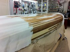 First wetting in coat Kayak Boats, Canoe And Kayak, Wood Canoe, Pedal Car, Wood Boats, Lake Water, Canoeing, Boat Plans, Boat Building