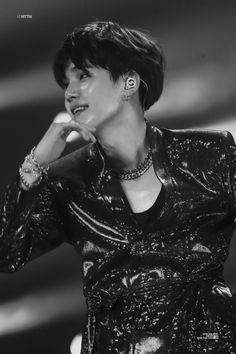 Notre Amour In which Kim Taehyung is the cute Babydoll of six dangerous Mafia bosses who killed to have him TopBTS BottomTae Suga Suga, Min Yoongi Bts, Min Suga, Bts Bangtan Boy, Namjoon, Taehyung, Hoseok, Daegu, Rapper
