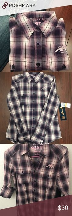 NWT- [SEVEN7] - Button up plaid shirt 👚 NWT! Super comfy and cute button up shirt! It has long sleeves but they can be folded up and secured with a button for warmer days! Seven7 Tops Button Down Shirts