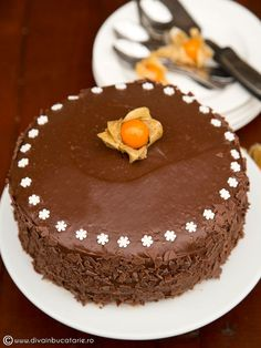 TORT DE CIOCOLATA CU MIEZ DE LAPTE | Diva in bucatarie Dessert Cake Recipes, Sweets Recipes, Healthy Recipes, Desserts, Diy And Crafts, Food And Drink, Yummy Food, Food Cakes, Festive