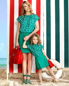 12 Beautiful Mom and Child Couple Fashions for You to Copy - Fashions Nowadays Mom Daughter Matching Outfits, Mom And Baby Outfits, Kids Outfits, Mom Dress, Baby Dress, Mother Daughter Fashion, Lovely Dresses, Kids Fashion, Swimming Suits