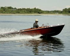 Schnelles 69er Mahagoni-Sportboot mit 30 kW-Elektromotor Chris Craft, 30 Kw, Old School, Berlin, Boat, Classic, Speed Boats, Wooden Boats, Automobile