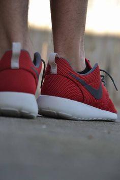 """Nike Roshe Run """"University Red/Velvet Brown"""""""