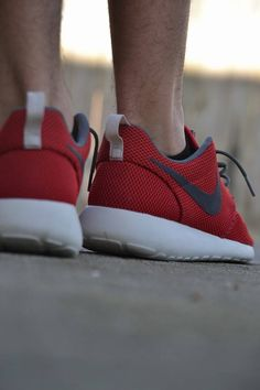 "Nike Roshe Run ""University Red/Velvet Brown"""