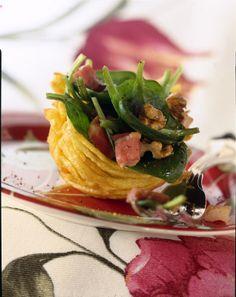 Cestini di patate con spinacini, pancetta e noci