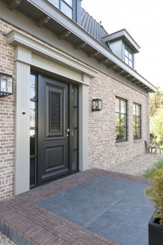Front doors exciting different 2019 Front doors exciting different The post Front doors exciting different 2019 appeared first on House ideas. House Colors, House Design, Luxury House Plans, Building A House, Exterior Design, Brick Exterior House, Front Door, Exterior Brick, House Exterior