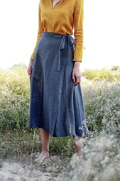 Linen Calf Length Wrap Skirt Source by teriandbo Skirts Linen Skirt, Linen Dresses, Long Skirt Outfits, Casual Outfits, Modest Outfits, Style Emo, Modest Fashion, Fashion Outfits, Long Skirt Fashion