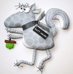 Squirrel named Keith par buttuglee sur Etsy Diy Invitations, Animal Pillows, Soft Dolls, Soft Sculpture, Diy Stuffed Animals, Stuffed Toys Patterns, Felt Animals, Digital Stamps, Handmade Toys