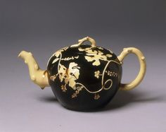 Teapot | Staffordshire, England, ca. 1750, lead-glazed earthenware, with applied decoration