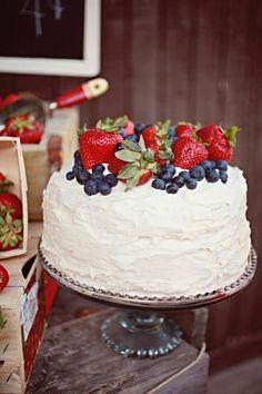Cake at a farmers market birthday party #cake #farmersmarket #farm #party