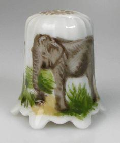 thimble porcelain elephant handpainted Lindner Germany new