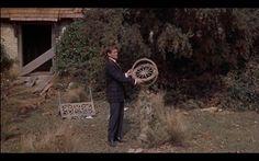 El tiempo en sus manos (1960) Sundial, Time Travel, Hands, Viajes