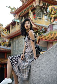 Jiufen, Taiwan / A Real Life Spirited Away – travel outfit Real Life, Taipei Travel, Leonie Hanne, Empire State Of Mind, Spirited Away, Photographic Studio, How To Pose, Hottest Models, Photoshoot