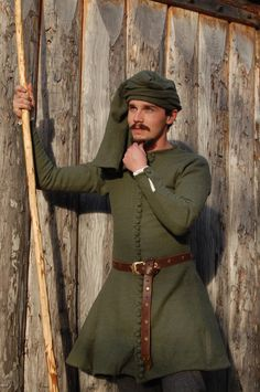 14th century young nobleman  by ~fengaren Nice men's outfit
