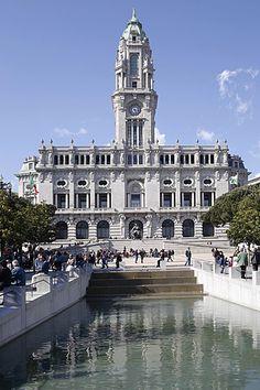 Pacos do Concelho - das Rathaus von Porto.