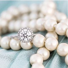 Diamonds and pearls. What's not to love.   @dyannajoyphotography
