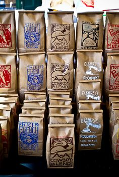 You really don't know coffee unless you know ROOS ROAST. Here's a pic of their lovely coffee display at the Ann Arbor Farmers Market. Chocolate Packaging, Coffee Packaging, Coffee Branding, Farmers Market Display, Coffee Display, Nitro Coffee, Blended Coffee, Coffee Pods, Recipes