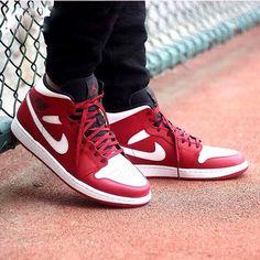 watch 7b8f6 66cf6 Nike Air Jordan 1 Mid (Chicago) Gym Red White Mens Sneakers  AJ9507-100  UK  9.5  Jordan  BasketballShoes