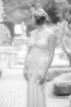 Claire Pettibone 'Viola' wedding dress   Photo: Julie Dreelns Beach Productions   ft. on Glamour & Grace http://www.clairepettibone.com/viola