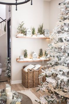 home decor christmas Love this Christmas winter wonderland display on open shelves Classy Christmas, Natural Christmas, Noel Christmas, Beautiful Christmas, Winter Wonderland Christmas, Christmas Village Display, Christmas Mantels, White Christmas, Country Christmas Decorations