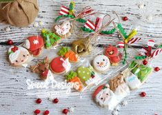 Exceptional Christmas sweets information are available on our internet site. look at this and you wont be sorry you did. Christmas Sugar Cookies, Christmas Chocolate, Christmas Sweets, Christmas Minis, Christmas Goodies, Christmas Baking, Christmas Ideas, Mini Cookies, Iced Cookies